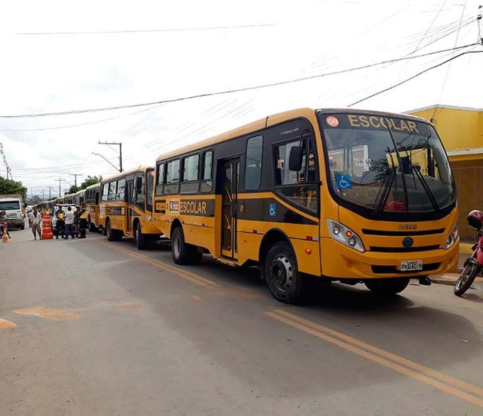 Motoristas fizeram homenagem a Orlando Ferreira, que morreu em acidente na BR-116, na Bahia — Foto: Divulgação/Prefeitura de Euclides da Cunha