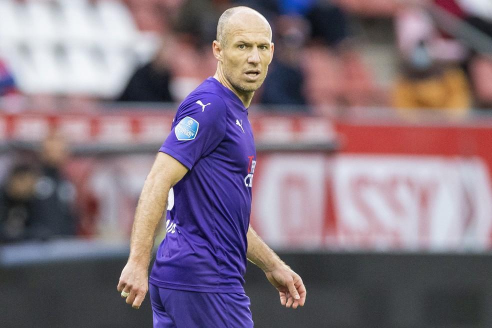 Arjen Robben em ação no último jogo da carreira, em maio, pelo Groningen — Foto: Getty Images