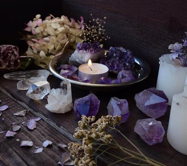 Você pode fazer um altar energético em casa  (Foto: Reprodução Home BCN )