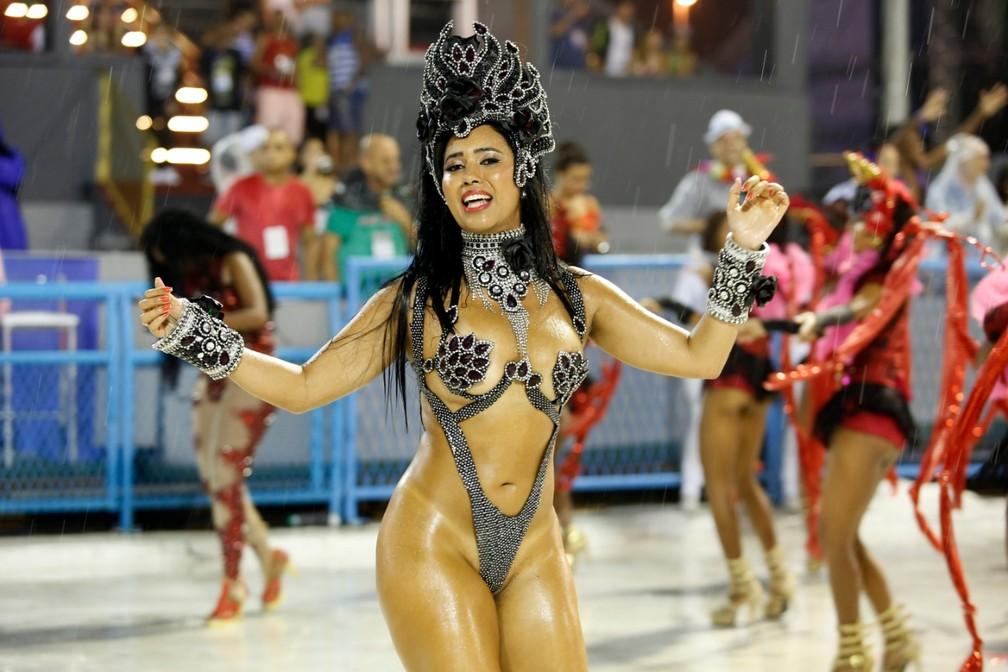 Aline Silveira, musa da Alegria da Zona Sul â?? Foto: Marcos Serra Lima/G1