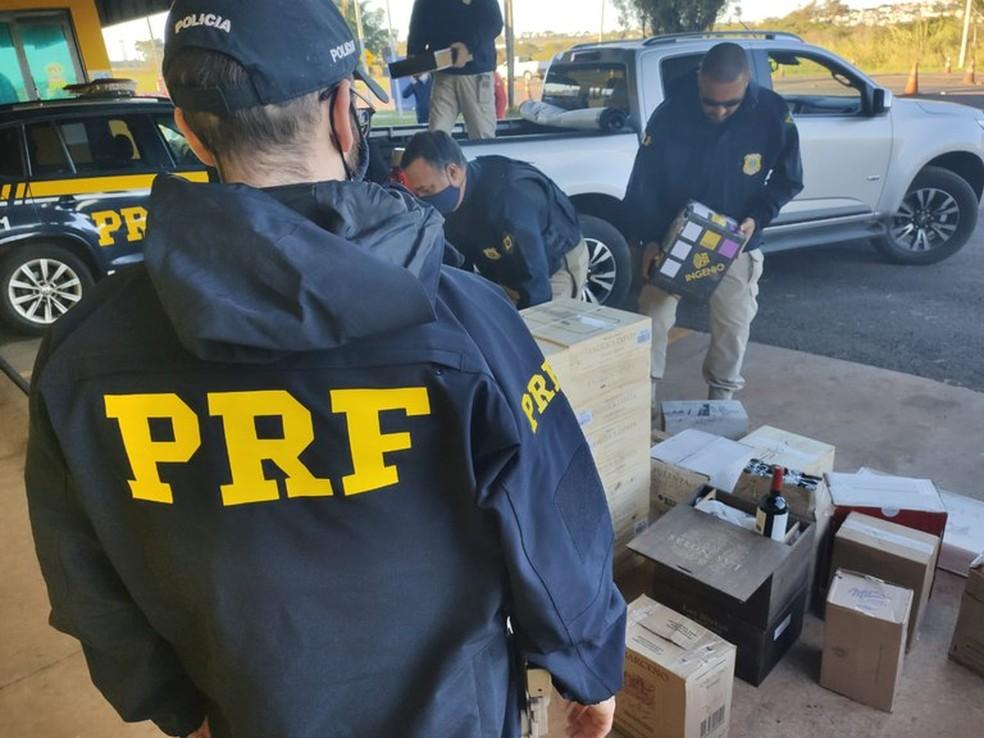 Apreensão foi feita na base da PRF em Ourinhos  — Foto: Polícia Rodoviária Federal / Divulgação