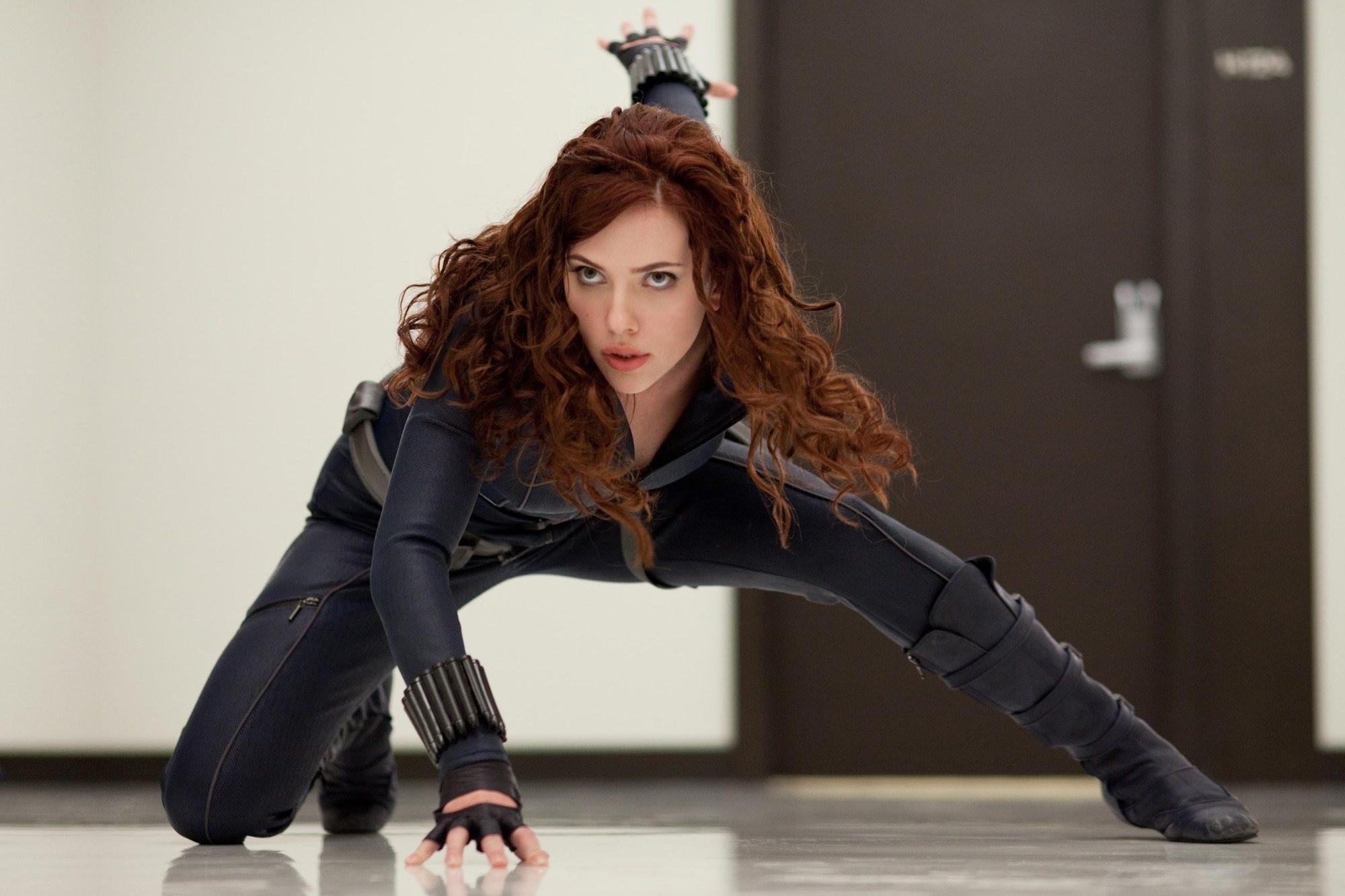 Estreia de Scarlett Johansson no MCU em Homem de Ferro 2 (2010) (Foto: Reprodução)