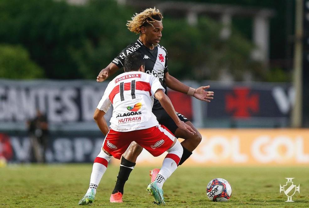 MT teve boa participação na vitória do Vasco por 3 a 0 sobre o CRB — Foto: Rafael Ribeiro/Vasco