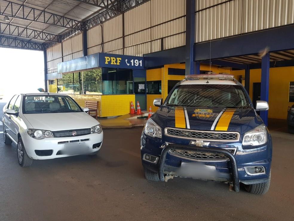 Carro do casal de idosos foi apreendido com suspeitos em Vilhena — Foto: PRF/Divulgação