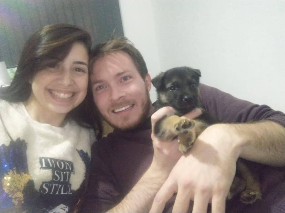 Casal de Votorantim adotou um cachorro um mês antes de João Guilherme ser encontrado morto — Foto: Arquivo Pessoal/ Larissa Campos
