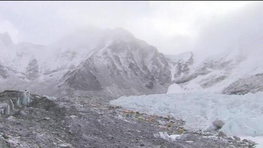 Sobe para 10 o número de alpinistas mortos no Everest, nesta temporada de escalada