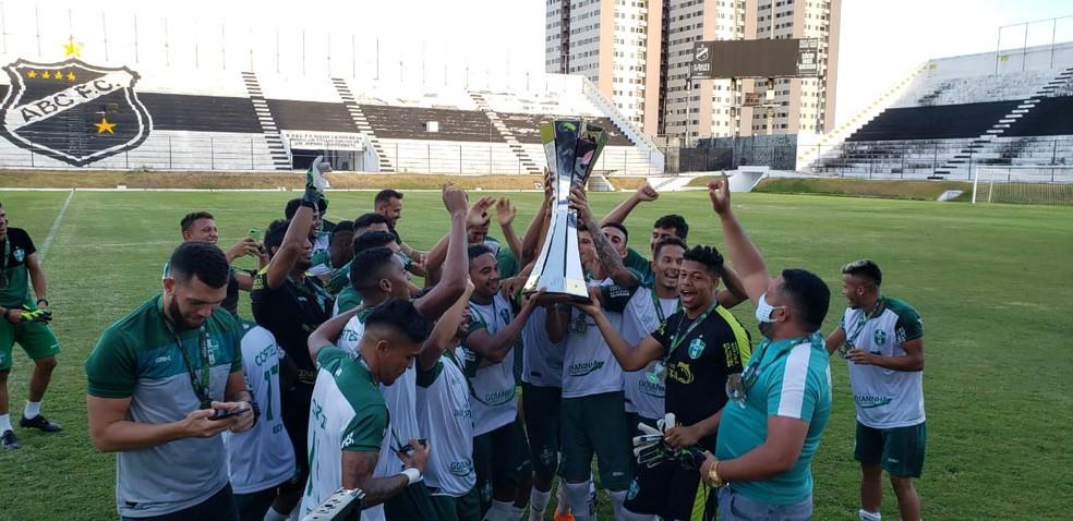 Palmeira é o campeão da segunda divisão do Campeonato Potiguar — Foto: Erick Dias/FNF