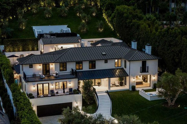 Rihanna quer R$ 420 mil para alugar mansão de mais de 700 m² (Foto: Divulgação)