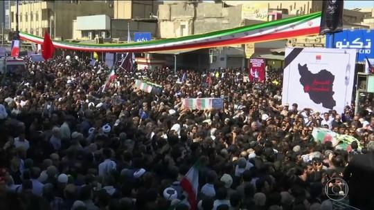 Milhares de pessoas vão a funeral de vítimas de atentado no Irã