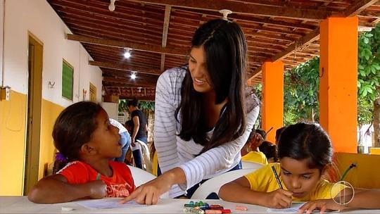 Estudantes estrangeiros fazem trabalho voluntário em comunidades de Natal