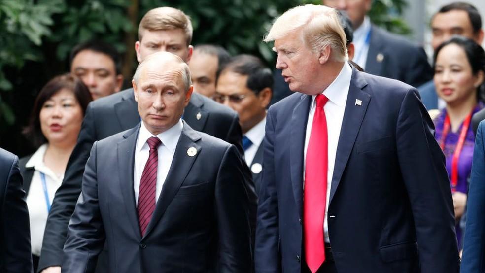 Vladimir Putin e Donald Trump: Para o presidente dos EUA, o país vem perdendo a vantagem que tinha sobre a Rússia e a China  (Foto: AFP)