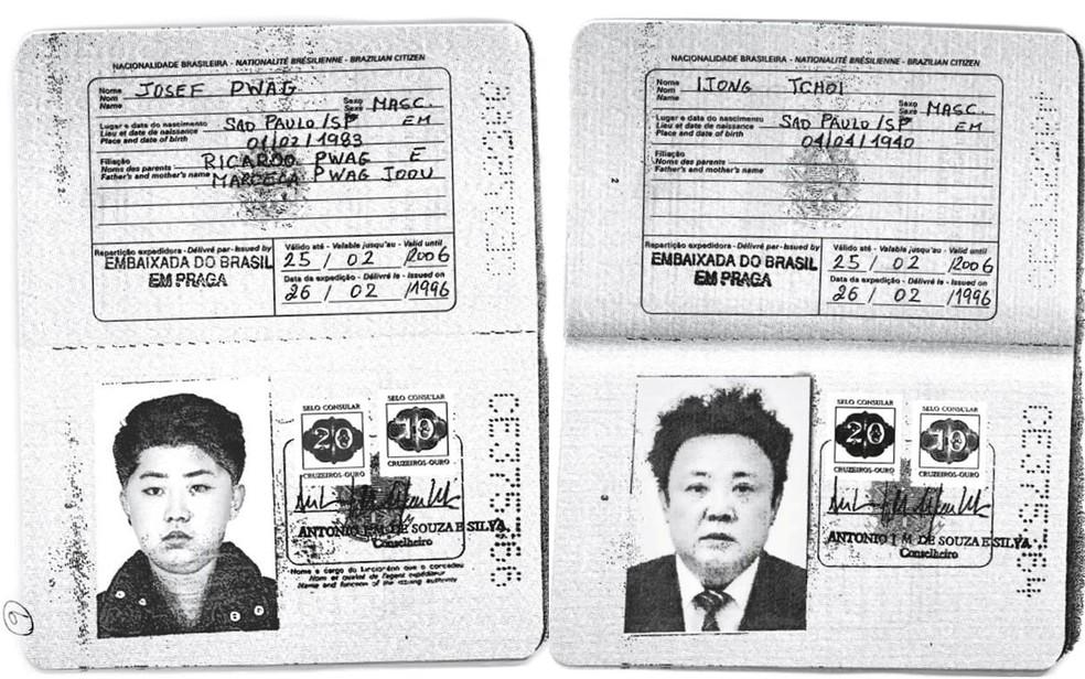 Cópias obtidas pela agência Reuters mostram passaportes brasileiros com as fotos de Kim Jong-un, líder da Coreia do Norte, e Kim Jong-il, seu pai e ex-líder do país (Foto: Handout via Reuters)