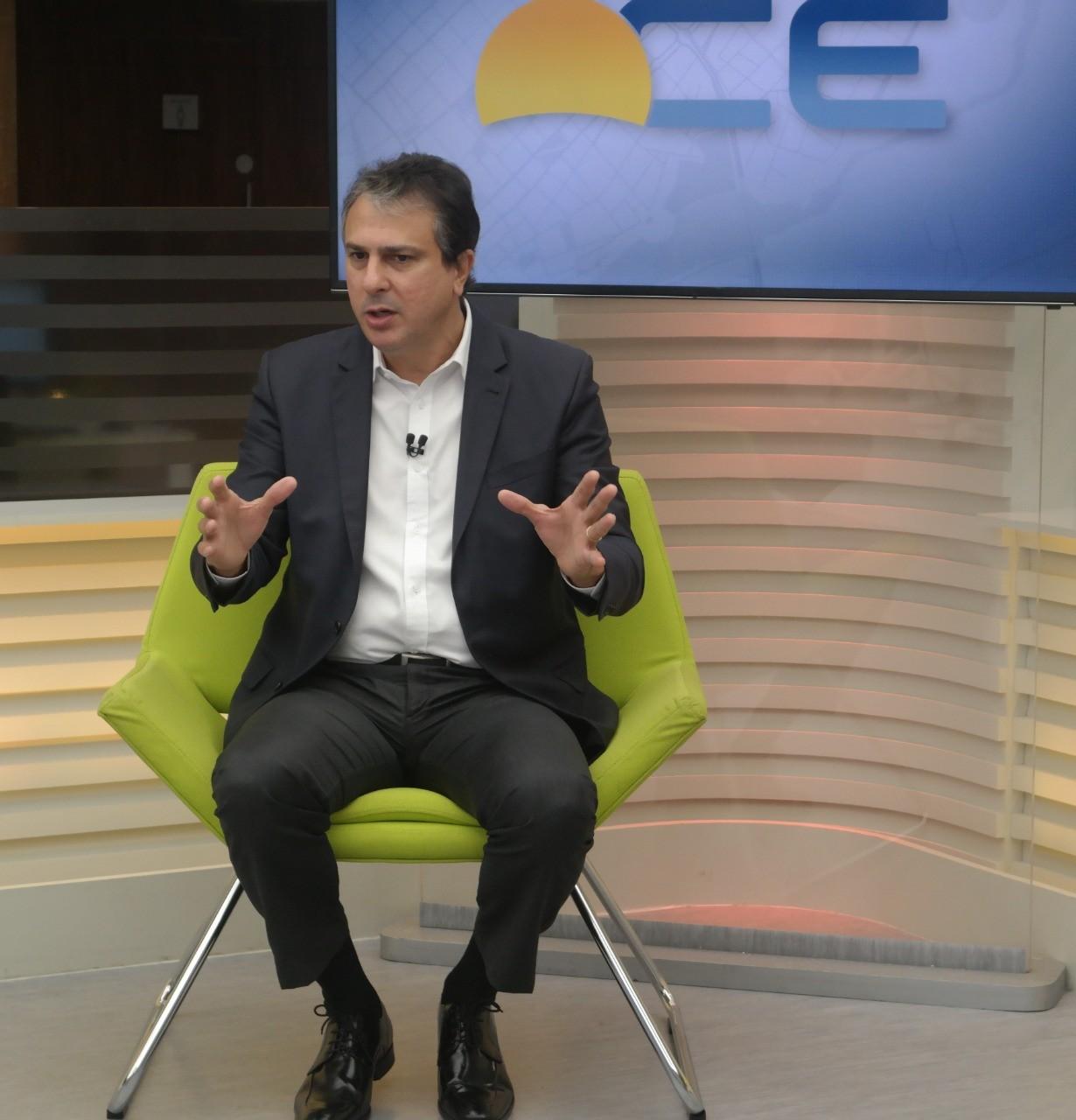 Aulas presenciais em escolas estaduais do Ceará devem retornar em fevereiro, diz Camilo Santana