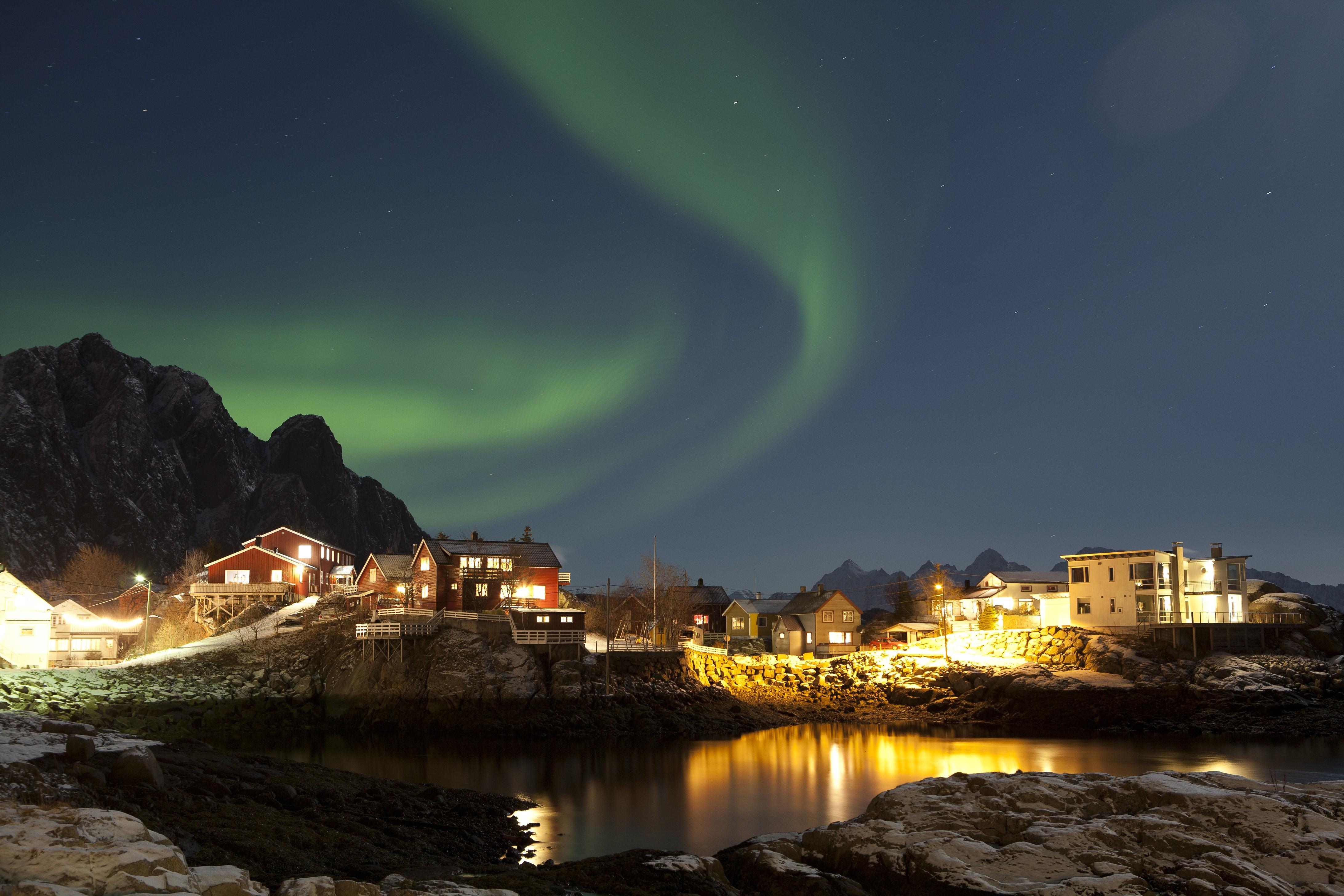 A mulher aventureira deve apostar em destinos de viagem que incluam ver a Aurora Boreal (Foto: Divulgação)