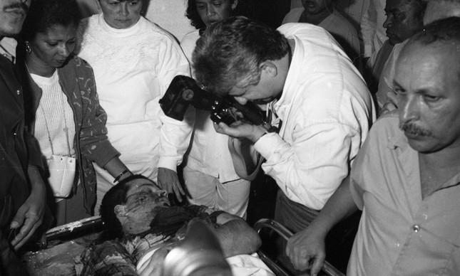 O corpo de Maurinho Branco, horas após criminoso ser morto por policiais