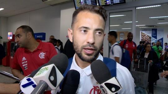 Festejado por torcedores, Éverton Ribeiro destaca retrospecto positivo do Fla no ES
