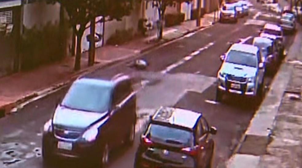 Marido morreu ao ser atropelado pela mulher após discussão em Ribeirão Preto — Foto: Reprodução