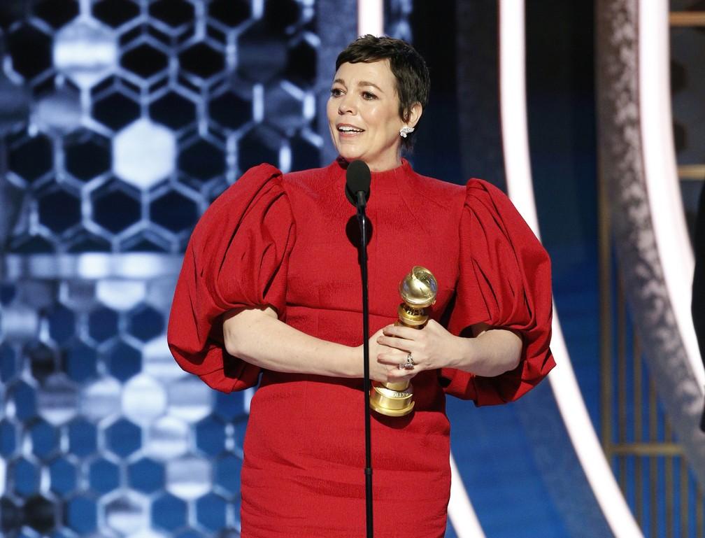 """Olivia Colman vence Globo de Ouro na categoria de melhor atriz em série de drama por """"The Crown"""" — Foto: Paul Drinkwater/NBC via AP"""