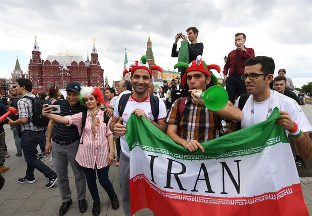 Torcedores do Irã na Copa do Mundo 2018, na Rússia (Foto: EFE/EPA/FACUNDO ARRIZABALAGA)