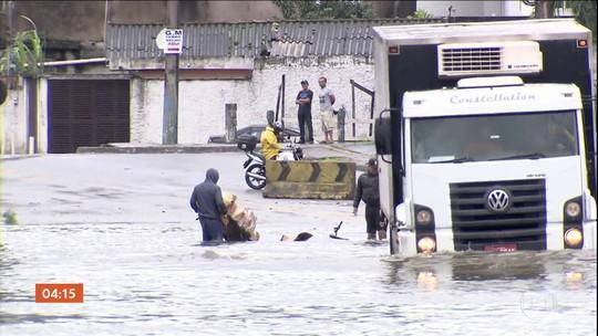 Caminhoneiros são roubados em São Vicente, litoral de SP