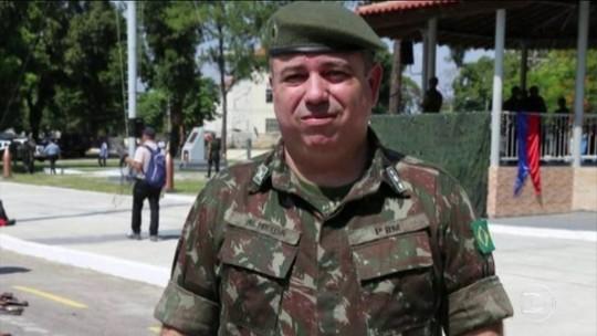 Militar que cuida de arsenal é preso no RJ suspeito de desviar armas
