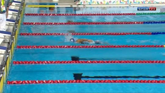 Musa da natação conquista o inédito ouro em dia de 11 medalhas brasileiras