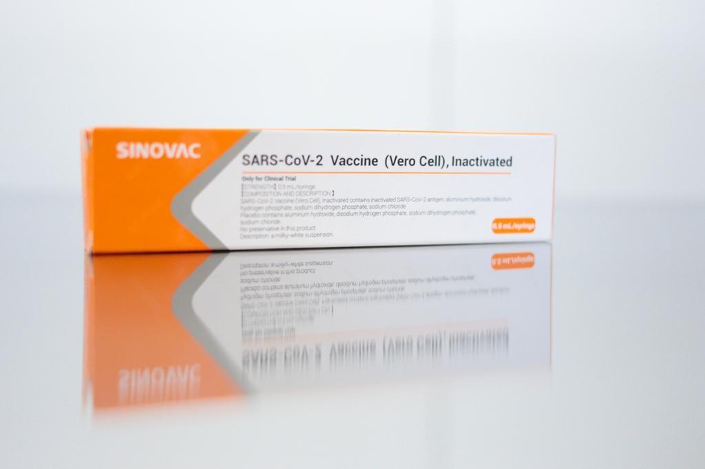 Diretor do Instituto Butantan admite que busca aprovação da vacina chinesa antes de fim dos estudos clínicos