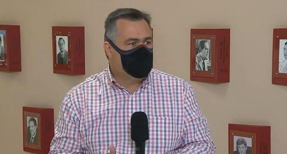 Beto Preto comentou sobre o novo decreto sobre as medidas de restrição à Covid-19 — Foto: RPC/Reprodução