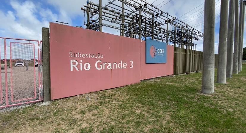 Furto de cabos causa explosão em subestação da CEEE em Rio Grande