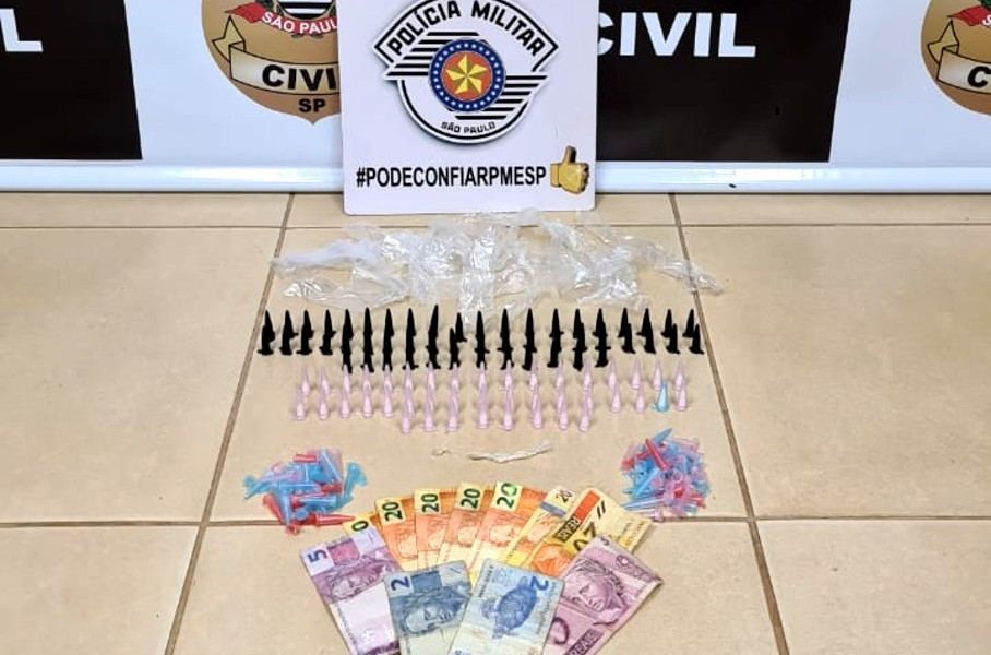 Dupla é presa com drogas escondidas no quarto da avó em Pederneiras