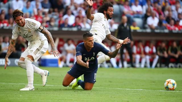 Sergio Ramos, Lamela e Marcelo em ação durante Tottenham x Real Madrid
