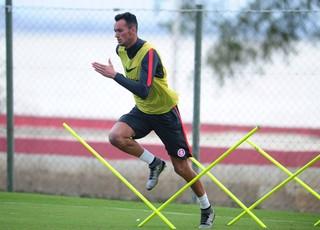 Inter aceita proposta e libera Réver por empréstimo ao Flamengo