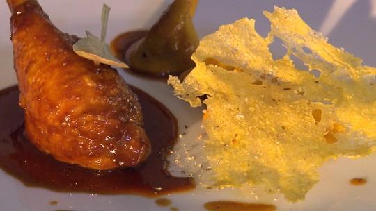 Terra&mesa: confit de galinha caipira com ravióli de miúdos