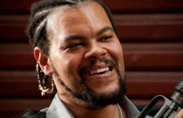 """Na novela """"Viver a vida' (2009), de Manoel Carlos, Babu Santana interpretou o bandido Coisa Ruim (Foto: TV Globo)"""