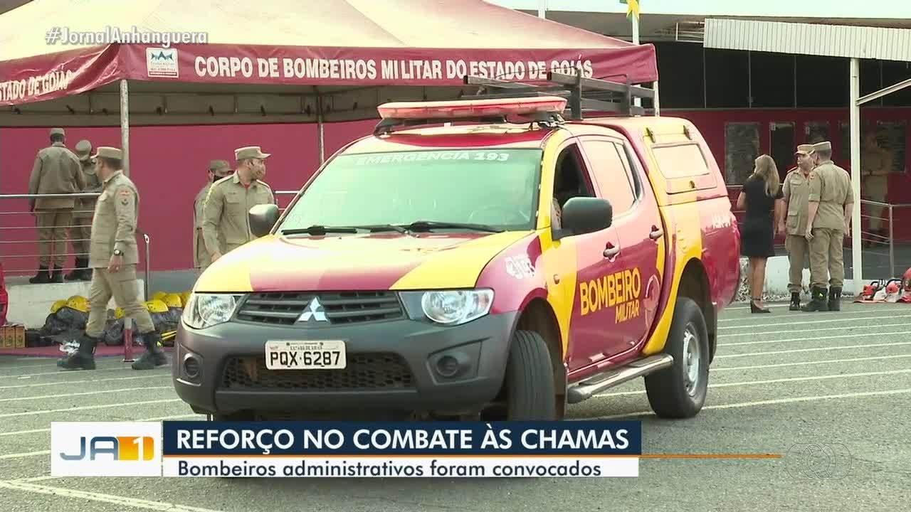 Bombeiros do setor administrativo são convocados para ajudar no combate a incêndios