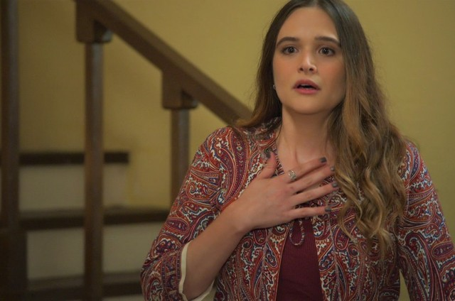 Juliana Paiva é Luna em 'Salve-se quem puder' (Foto: Reprodução)