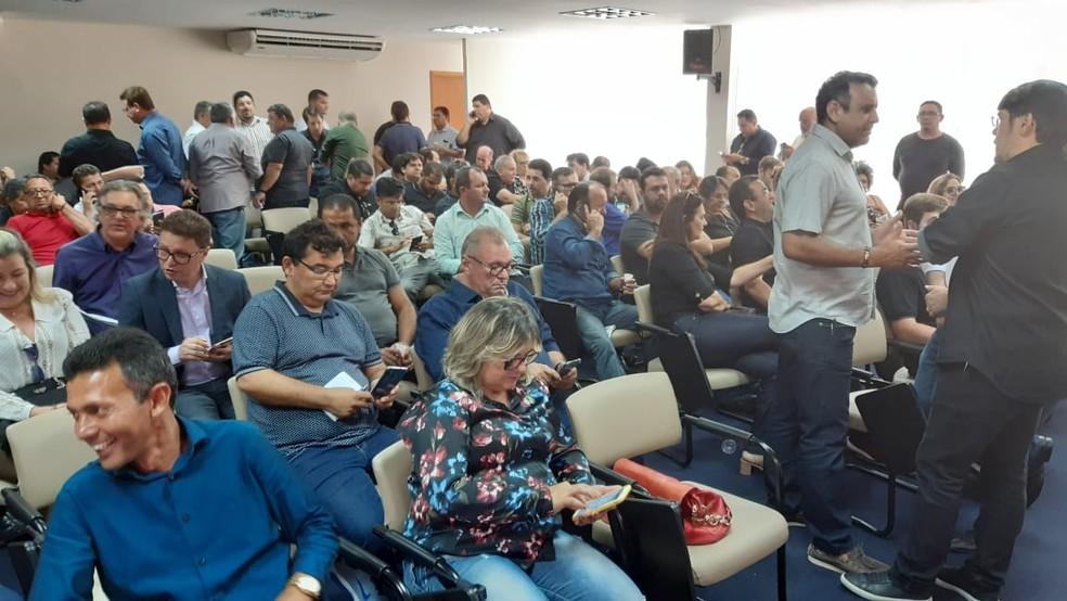 Prefeitos ocuparam sala do auditório da governadoria — Foto: Sérgio Henrique Santos/Inter TV Cabugi