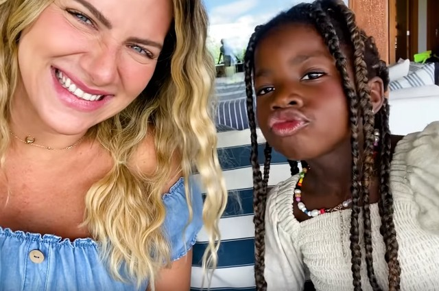 Giovanna Ewbank e Titi (Foto: Reprodução)