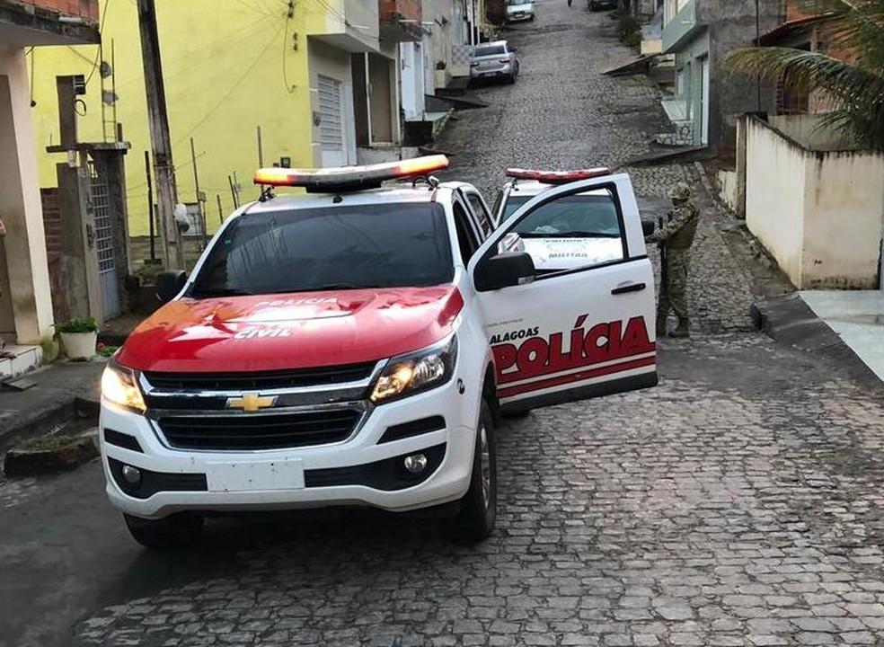 Cumprimento de mandado de prisão foi resultado de uma operação conjunta das polícias de Alagoas e Pernambuco — Foto: Ascom/Polícia Civil