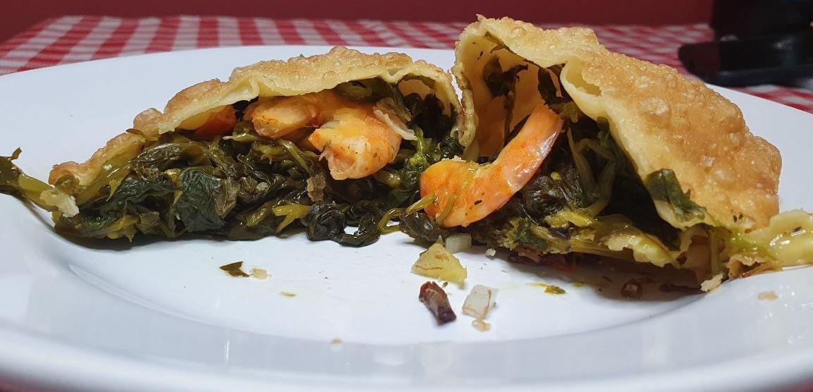 Pastel de tacacá e saltenha de moqueca de peixe: casal aposta em sabores regionais no Acre