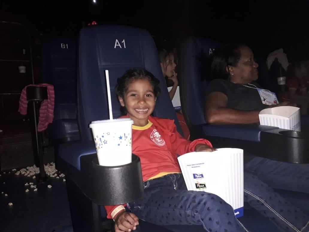 'Quero mais aulas assim', diz estudante ao assistir filme no cinema pela 1ª vez - Notícias - Plantão Diário