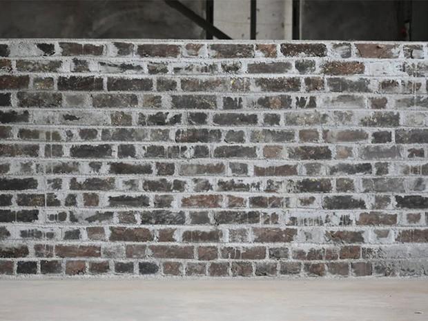 Empresa indiana cria tijolo para construção a partir de plástico e areia reciclados (Foto: Divulgação)