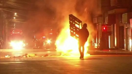 Chile volta a decretar toque de recolher após novos protestos