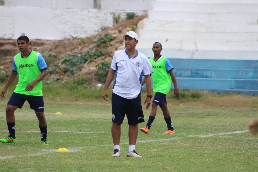 Treino Parnahyba (Foto: Renan Morais/GloboEsporte.com)