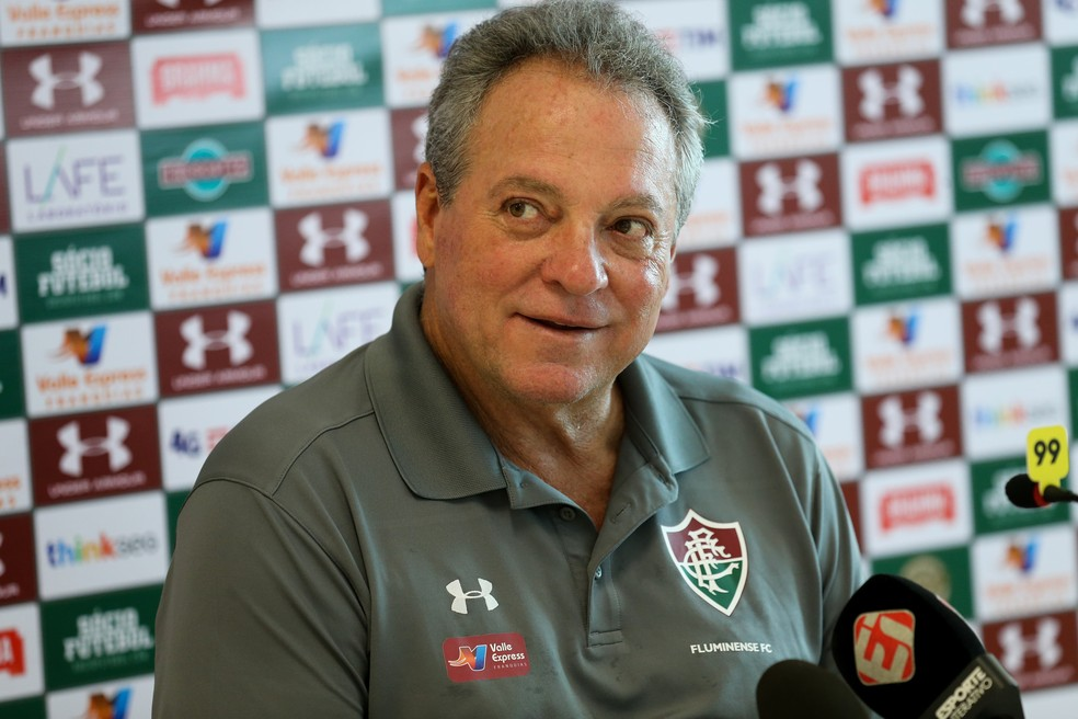 Abel Braga concede coletiva no Fluminense (Foto: Lucas Merçon/Fluminense FC)