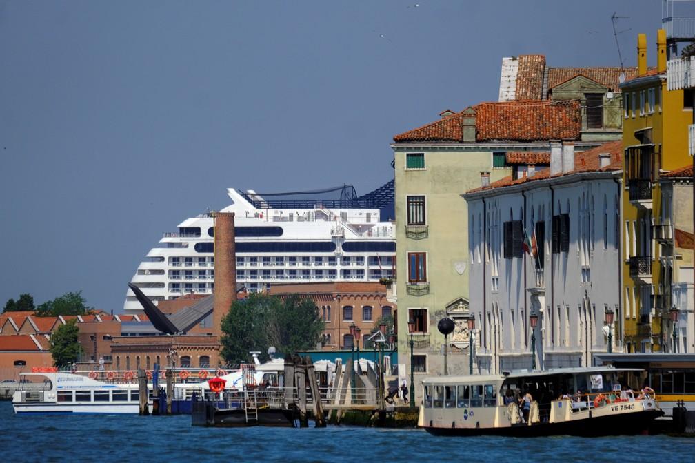 Cruzeiros voltam a Veneza após mais de 1 ano sem viagens por restrições da pandemia em foto de 3 de junho de 2021 — Foto: Manuel Silvestri/Reuters