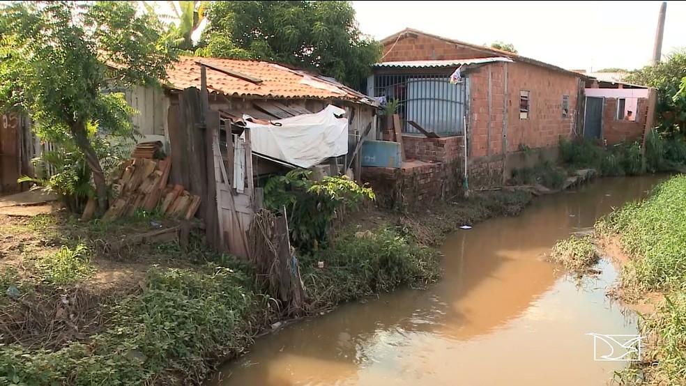 Área sem saneamento básico no Maranhão — Foto: Reprodução/TV Mirante