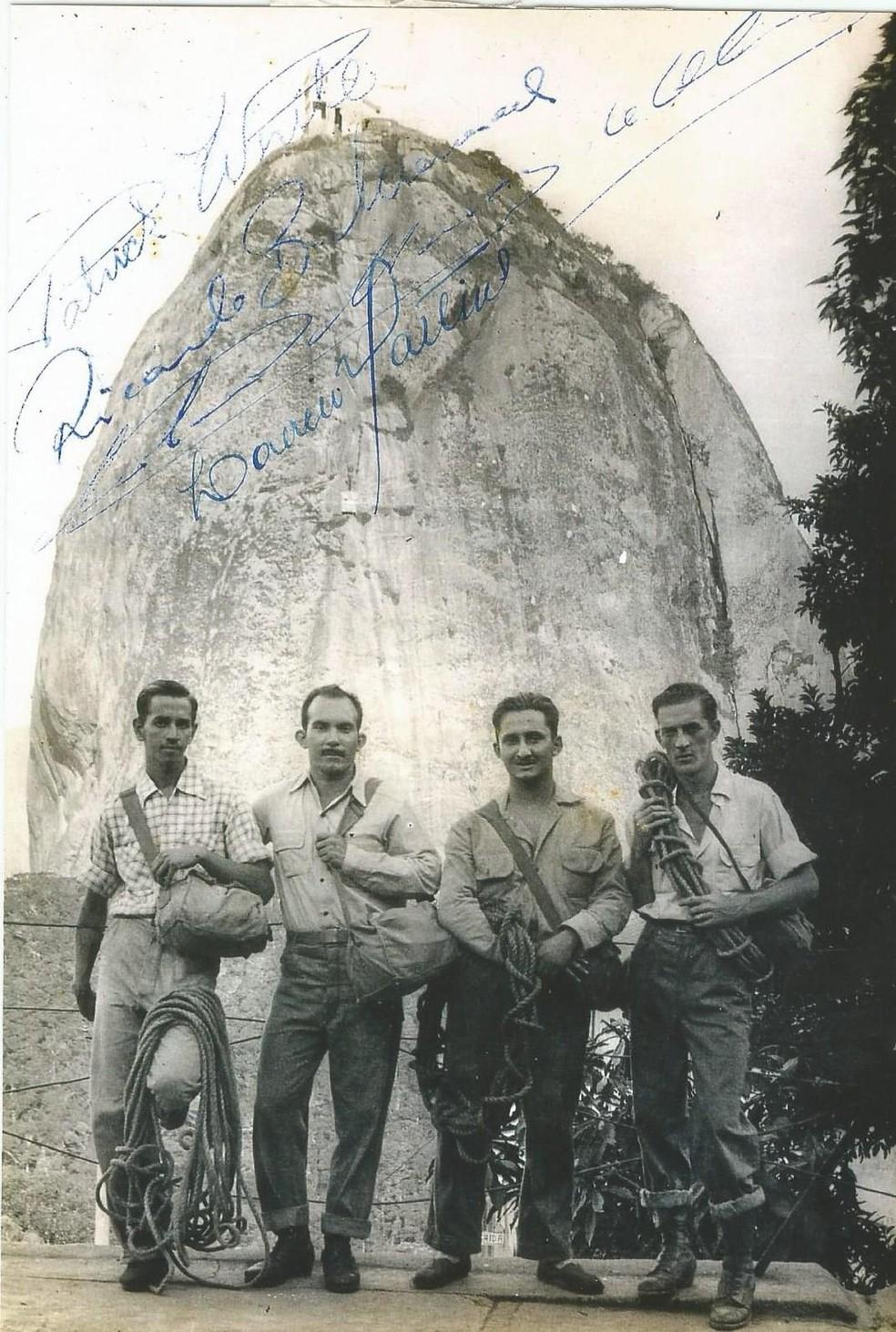 Em 1949, grupo de montanhistas encontrou corpo naturalmente mumificado preso numa fenda estreita da rocha — Foto: Clube Excursionista Carioca (CEC)/ BBC