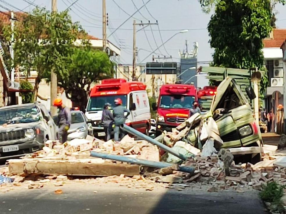 Homem morre atingido por parte de prédio que desabou em Jaú — Foto: Arquivo Pessoal