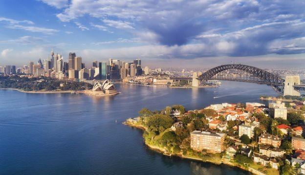 Sydney, na Austrália; país tem sociedade inclusiva e oferece boas perspectivas para profissionais qualificados (Foto: Getty Images via BBC News Brasil)